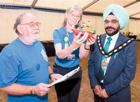 pictures slough horticultural show returns