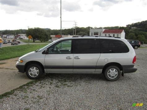 bright silver metallic 2000 chrysler grand voyager se exterior photo 53884052 gtcarlot