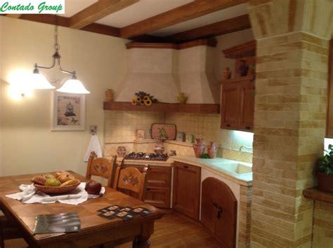 cucine in pino cucina in muratura in legno massello di pino contado