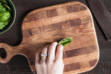 How To Chiffonade Basic Knife Skills Part 1 Fak Friday