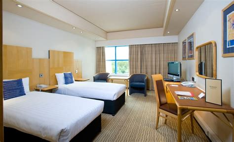 day rooms gatwick airport sandman signature gatwick airport hotel with park and fly deals