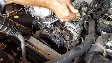 service manual how to replace alternator on a 1995 gmc suburban 2500 new alternator fits service manual how to replace alternator on a 2000 honda insight honda accord alternator