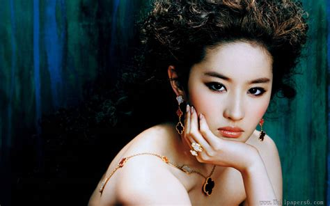 chinese actress hd wallpapers chinese actresses crystal liu yifei 4 female celebrities