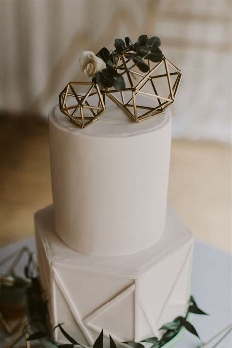 25  best ideas about Hexagon Wedding Cake on Pinterest
