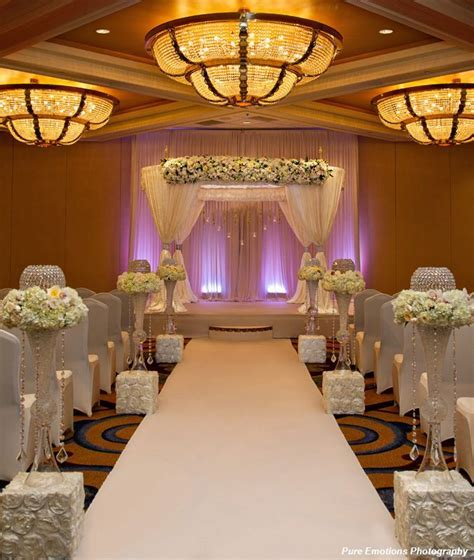 Modern Chuppah by Suhaag Garden Inc., Photo by Pure