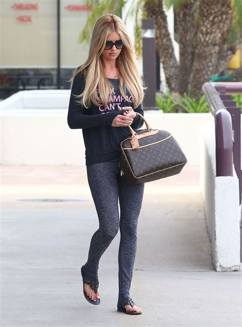 christina el moussa christina el moussa leaes a dermatologist office in orange