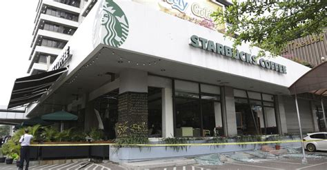 Fave Starbucks Store Closes by Starbucks Closed All Of Its Stores In Jakarta After Attacks