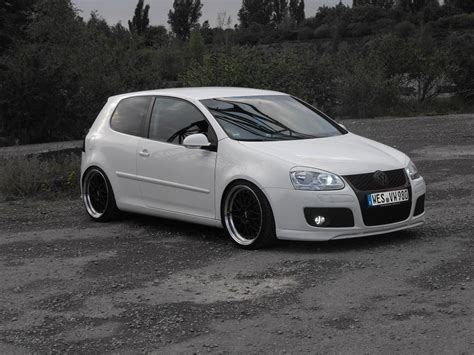 white volkswagen golf white vw golf mk5 basti adolphs vw golf tuning