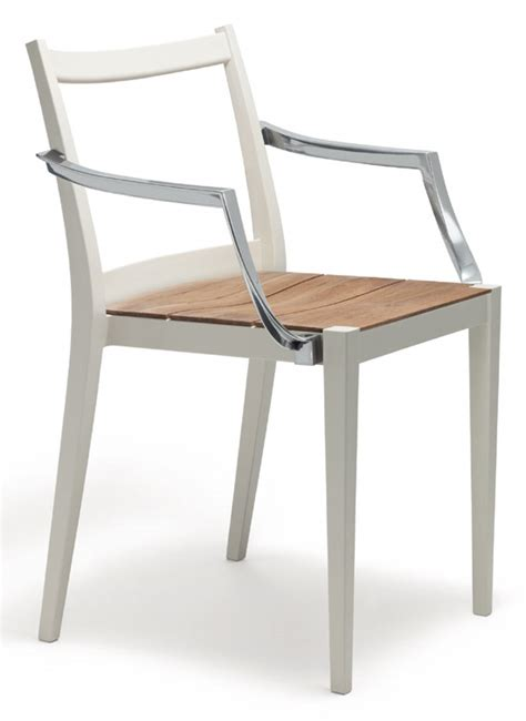 play outdoor furniture collection by philippe starck for dedon and flos