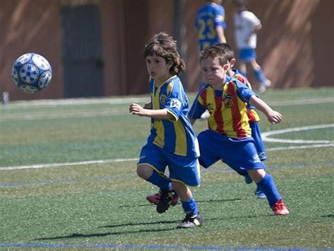 imagenes niños jugando futbol flickriver