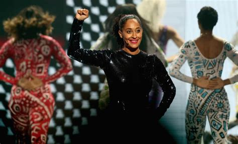 tracee ellis ross dance flipboard tracee ellis ross opens the ama s with an epic
