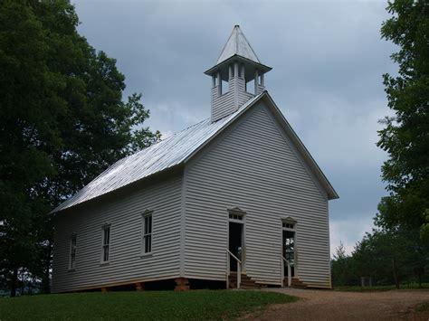 churches in gatlinburg tn