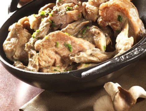 cuisiner du coq blanquette de dinde aux chignons recette du quotidien