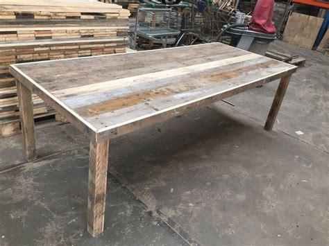 tafel van balken tafel van sloophout met versteklijst en balken poten van