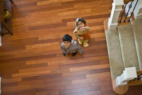 Which Is Better For Floors Lamanite Or Vinyl - hardwood floor vs vinyl floor difference and comparison