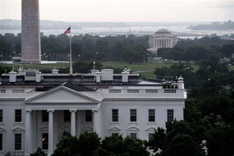 white house communications director white house communications director mike dubke resigns