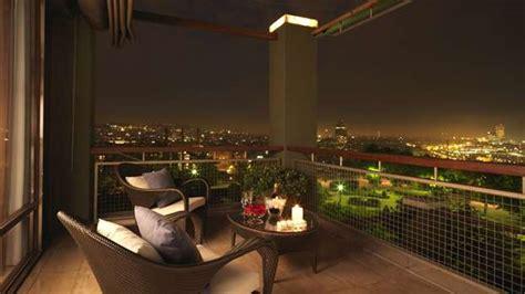 fioriere illuminate balconi come illuminarli al meglio tassonedil