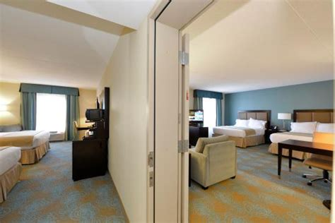 Adjoining Hotel Rooms by Our Adjoining Rooms Are Great For Families Or For Extended