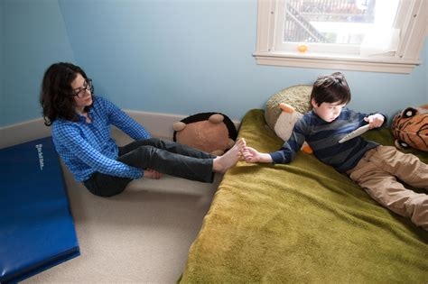 mom son bed mom help pee boy ru little nudist boys chorvatsko naked děti