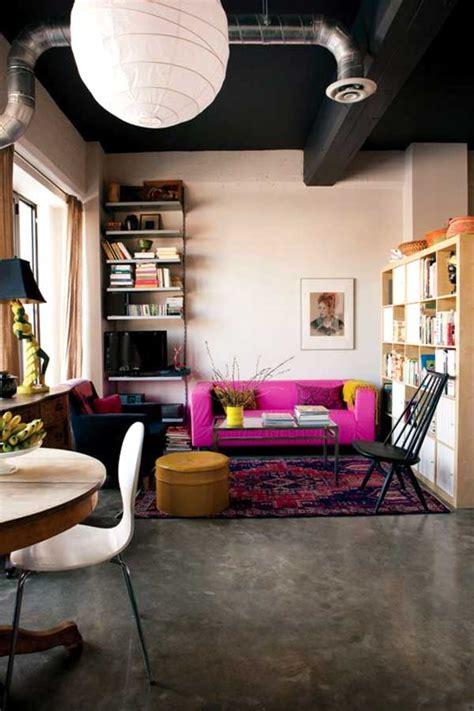 divani rosa un divano rosa per un tocco di vita nel salone