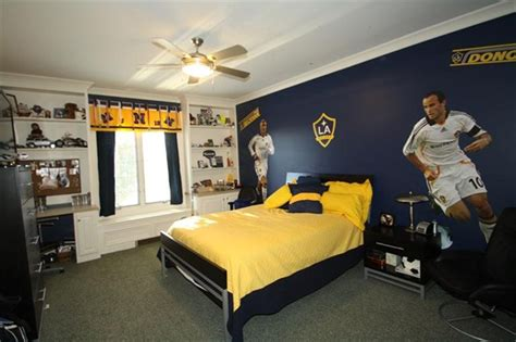 soccer decorations for bedroom 15 awesome kids soccer bedrooms home design and interior