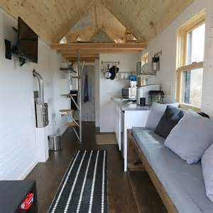 Tiny Houses Tv Show To Fully Utilize Space In A Tiny House It S Best To Think
