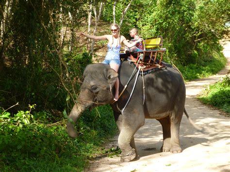 Thailand (Part 3) Riding an Elephant | Emma's Bucket List