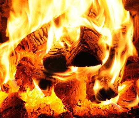 How To Keep A Burning In A Fireplace by The Ultimate Guide To Keeping A Burning In Your