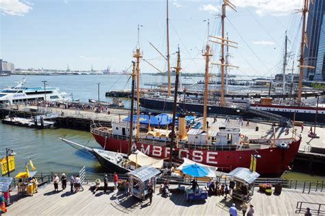 nyc boat tours south street seaport south street seaport new york city usa guided tours ny