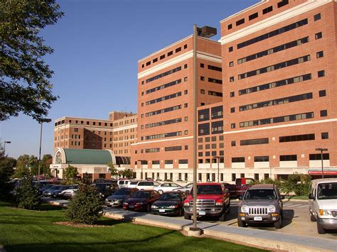 file st marys hospital rochester file st marys hospital rochester entrance jpg