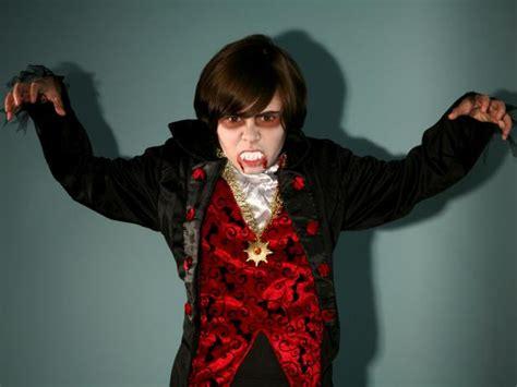 vampire halloween makeup  kids tutorial hgtv