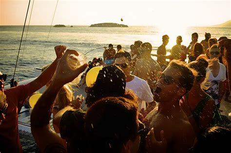 catamaran ibiza formentera fiesta croisiere ibiza d 233 couvrir ibiza au rythme de la mer