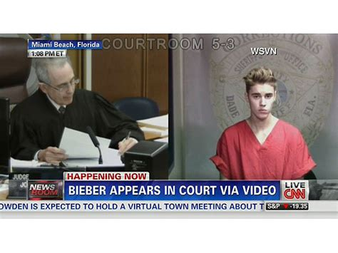 justin bieber s eyes when arrested justin bieber dui arrest he cried his eyes out after