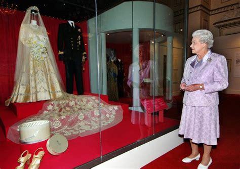 hochzeitskleid queen elizabeth 70 curiosidades do casamento da rainha elizabeth e do