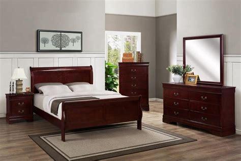 Cherry Wood Bedroom Furniture In The Bedroom