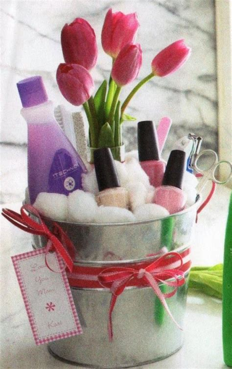 gift basket idea diy mothers day gift baskets to make at home