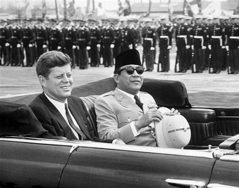 ar6536 d president f kennedy with president ahmed