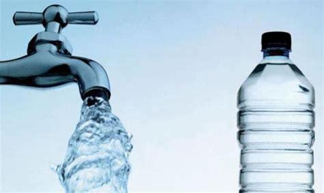 bere acqua di rubinetto fuga chimica ancora puzza in paese aumenta la