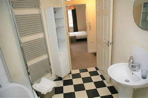2 bedroom flat to rent slough 2 bed flat to rent elliman avenue slough sl2 5fg