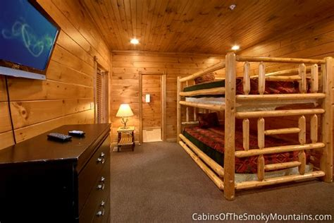 9 bedroom cabin gatlinburg gatlinburg cabin stairway to heaven 9 bedroom sleeps 32