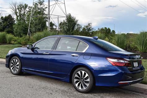 review honda accord hybrid review 2017 honda accord hybrid 95 octane