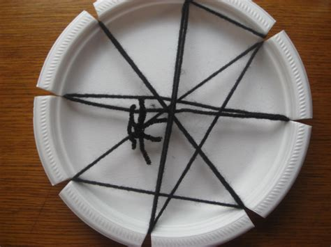 Paper Spider Craft - preschool crafts for paper plate spider