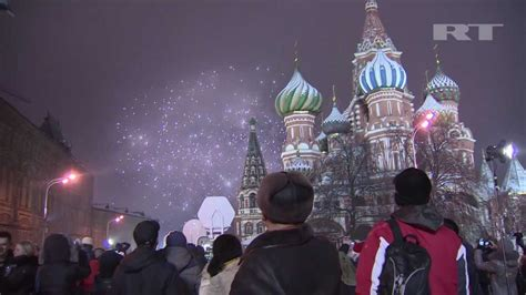 9 things to know about russian new year new year s fireworks display happy 2013 square moscow russia