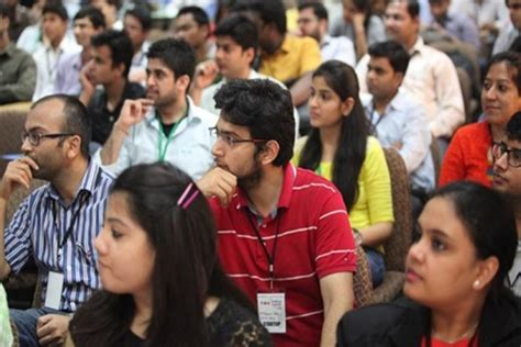 Mba Scholarships In Usa For Indian Students by Indian Students Don T Prefer Us Uk For Mba Anymore Here