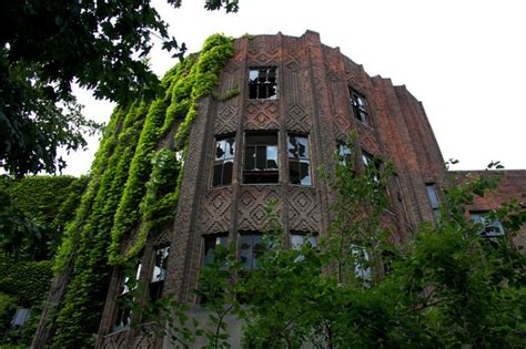 Abandoned Places In New York | 30 abandoned places that look truly beautiful
