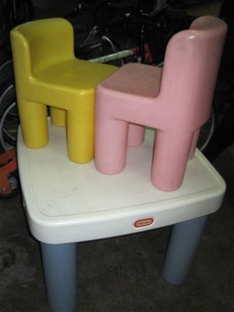 Tikes Keyboard With Stool by Tikes Big Table With 2 Stools Fashion Alright