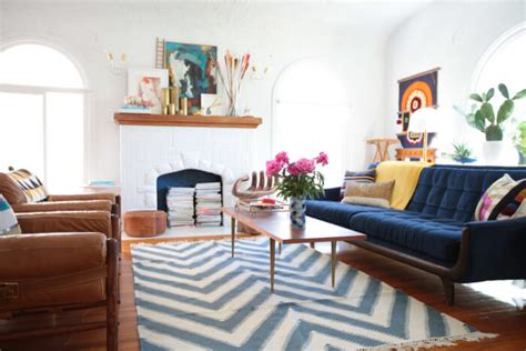 how to choose the perfect area rug for your living room