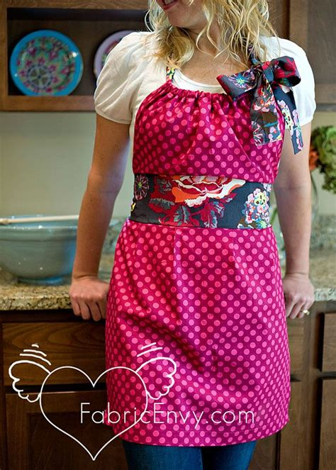 apron sewing projects easy diy apron clevercrafts net so cute sewing