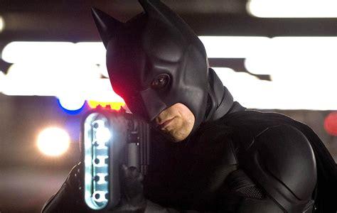 christopher nolan seeks to take moviegoers back to 1940 s three new the dark knight rises photos batman bane