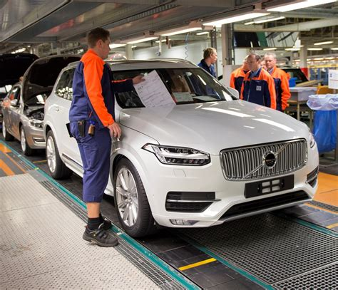 volvo cars torslanda plant starts    production shift     employees